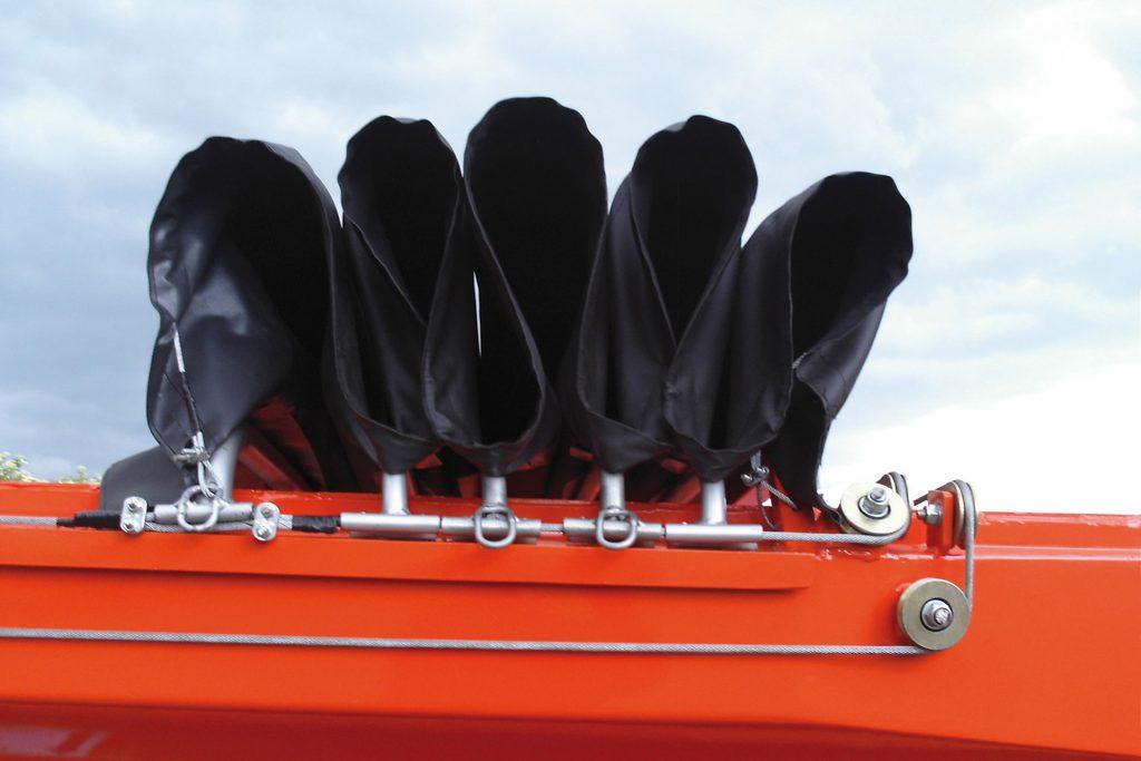 Couverture de benne à enrobé, résiste aux températures extrêmes